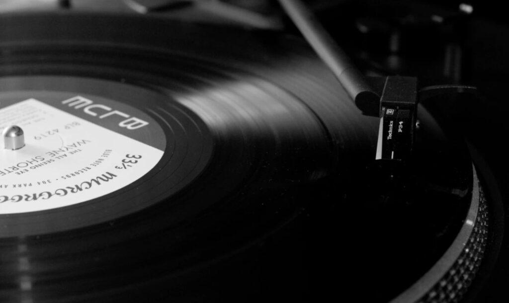 Muzyka jazz na płytach winylowych